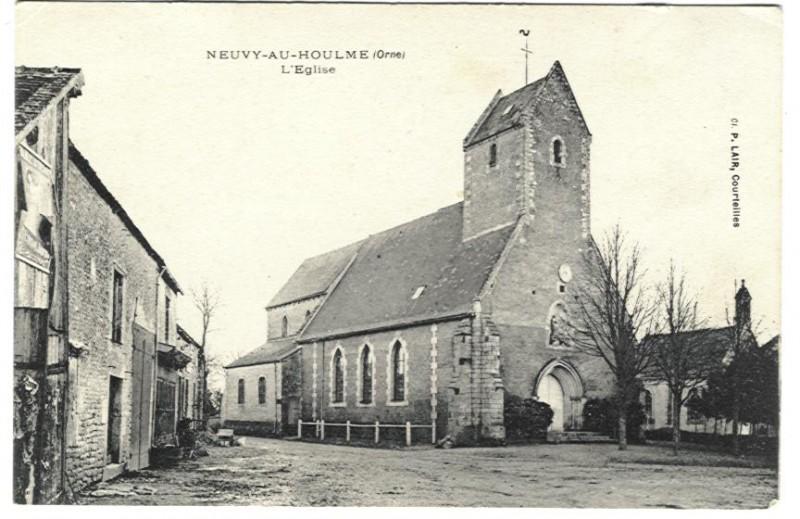 Neuvy au Houlme - L'Eglise